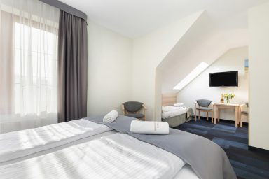 pokoj 3 osobowy13 384x256