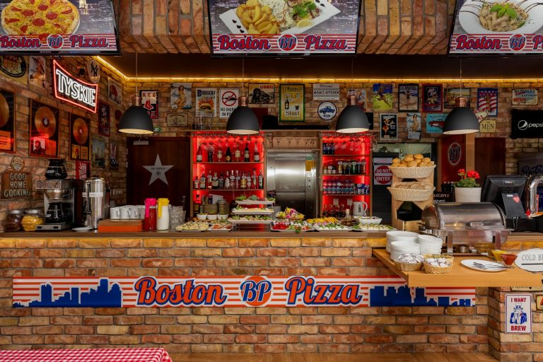 Boston Pizza, Rewal - fot. Tomasz Stolz